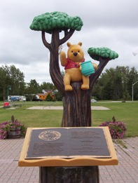 Commemorative statue of Winnie the Pooh in White River