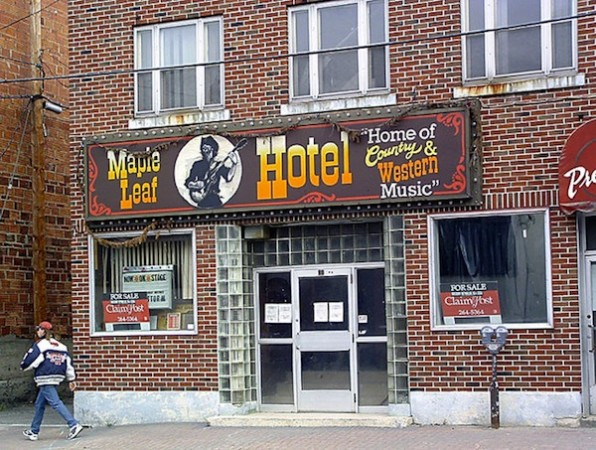 highway11.ca, Maple Leaf Hotel, Timmins, ON