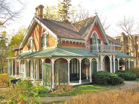 HIllary House, Ontario, Highway 11 Yonge Street, Aurora, historic