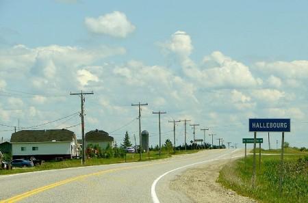 Hallebourg, Ontario, highway11.ca on Highway 11