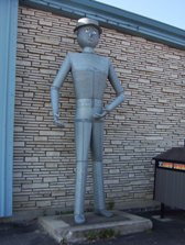 Hearst tin man, Highway 11