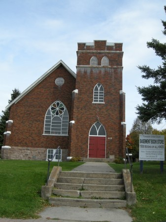 I used to get dragged to my Mom's work at a preschool in a church basement every PD Day.  I wish it was Powassan's church basement - there's a bookstore down there!