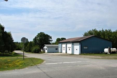 Pinewood, Ontario, on Highway 11 highway11.ca