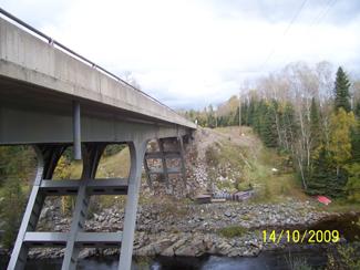 Ontario Highway 11, highway11.ca, Seine River Village.