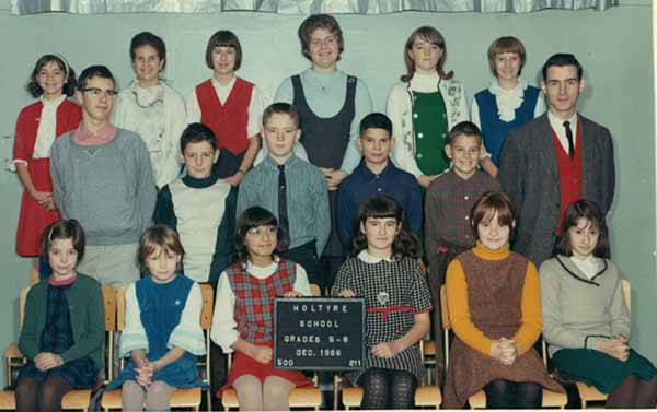 HOltyre, Ontario public school photo 1996 5-8