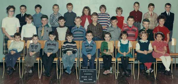 1966 Holtyre, Ontario public school photo 1-4